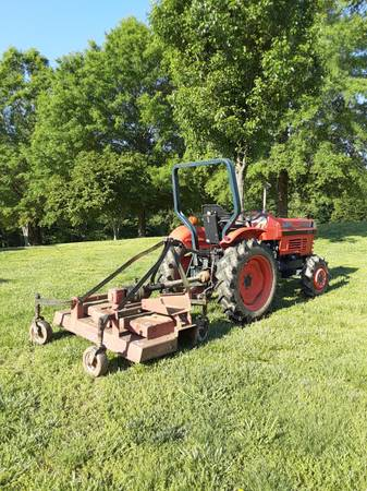 Photo KUBOTA tractor - $5,000 (Connellys Springs)