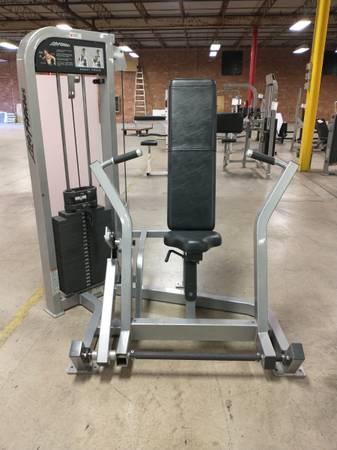 Photo Life Fitness Chest Press - Used - $1,095 (Hickory)