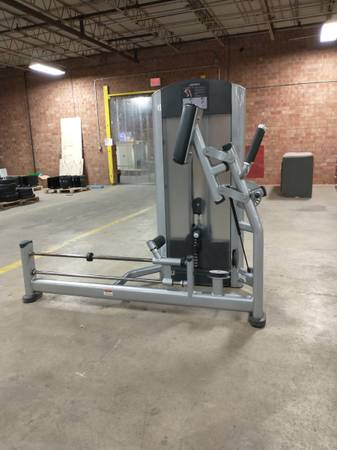 Photo Life Fitness Glute - Used - $1,455 (Hickory)