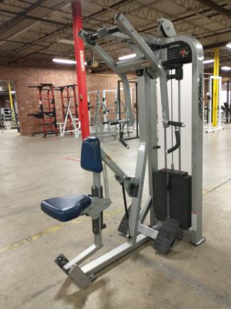 Photo Life Fitness Seated Row Machine - Used - $1,295 (Hickory)