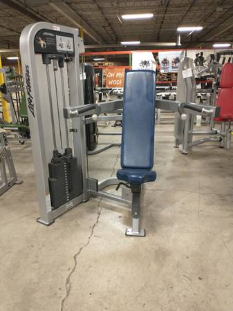 Photo Life Fitness Shoulder Pro 2 Press - Used - $1,085 (Hickory)