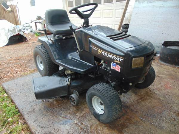 Photo Murray riding lawn mower - $500 (conover)