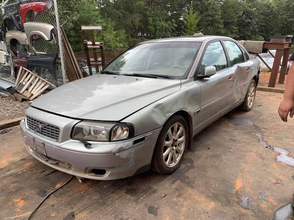 Photo PARTING OUT 04 VOLVO S80 2.5 TURBO GOOD ENGINE  TRANSMISSION CALL US (FOREST CITY NC)
