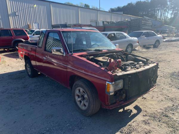 Photo PARTING OUT 95 NISSAN PICKUP HARDBODY 2.4 GOOD ENGINE TRANSMISSION (FOREST CITY NC)