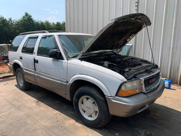 Photo PARTING OUT 99 GMC JIMMY 4.3 AUTO 4X2 GOOD TRANSMISSION CALL US (FOREST CITY NC)