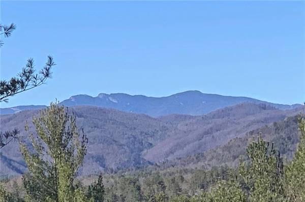 Photo PRICE DROP Long range views of Grandfather Mountain Lot 120, $99,000 (The Coves Mountain River Club, Lenoir NC)