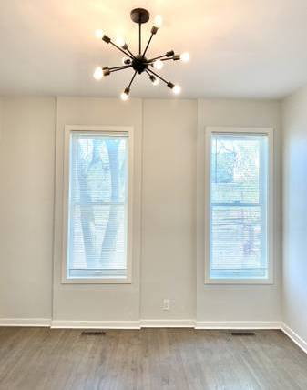 Photo Partially furnished Amazing 2 Bedroom at the Apartment for rent (Hickory)