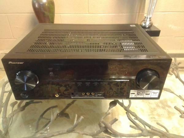 Photo Pioneer vsx-1021 multi channel home theater reciever - $60 (Casar)