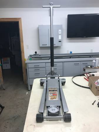 Photo Pittsburgh 2 Ton Floor Jack - Low Profile - Long Reach - 24quot Lift - $69 (Hickory)