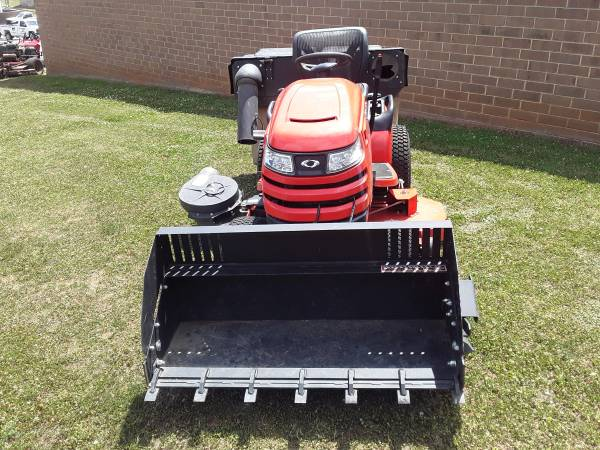 Photo Simplicity Riding Lawn Mower with Bucket and Bagger - $4,150 (Maiden)