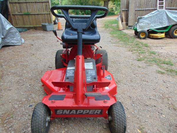 Photo Snapper riding lawn mower - $800 (conover)