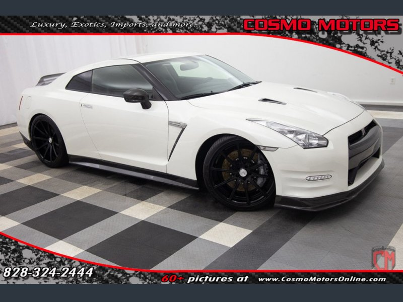 Photo Used 2013 Nissan GT-R  for sale