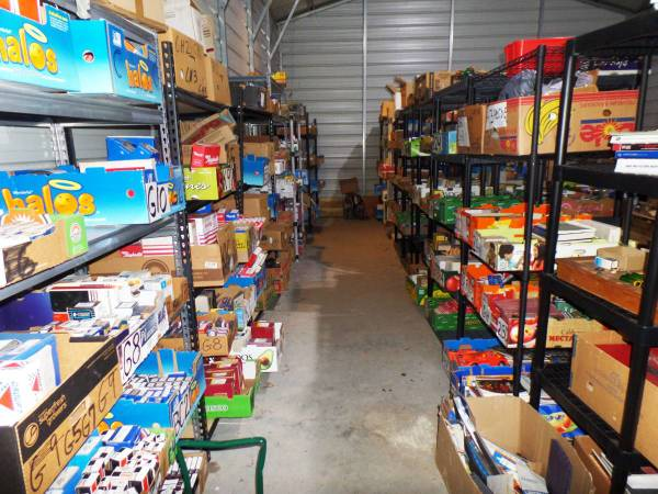 Photo Warehouse full of New Vintage Car Parts 1960-2010 - $12,000 (Hickory, NC)