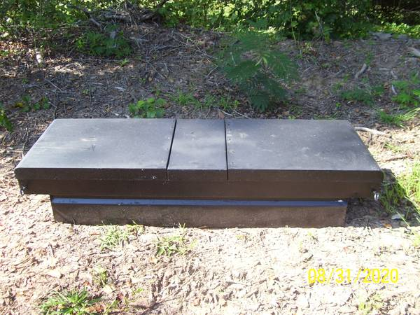 Photo black metal tool box for small truck - $40 (connelly springs)