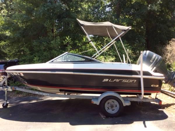 Photo 16 foot Larson ski boat for sale - $14,500 (Beaufort SC)