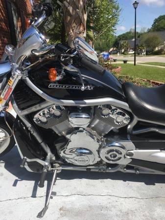 Photo 2008 Harley V-Rod Black - $5,800
