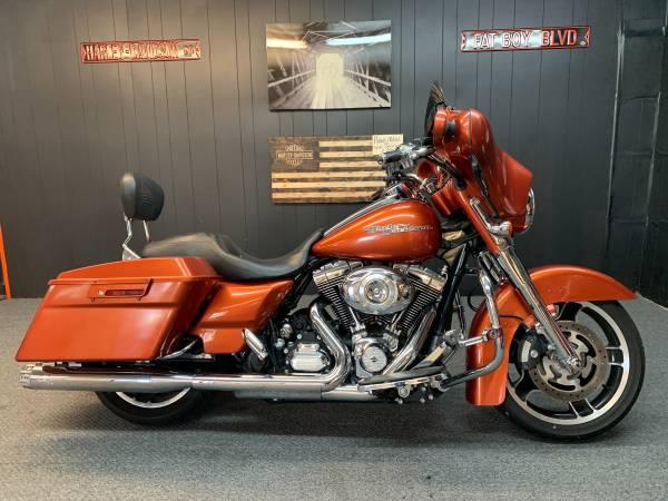 Photo 2011 Harley Davidson Street Glide - $12,900 (Lexington S.C.)