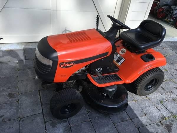 Photo Ariens Riding Mower 42 - $300 (Bluffton)