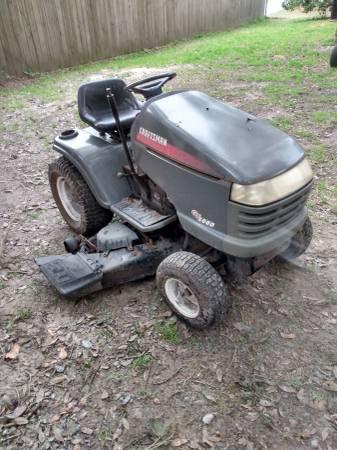 Photo Craftsman riding lawn mower - $475 (Beaufort)