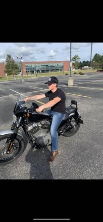 Photo Harley Davidson 1200 Nightster - $4,500 (Gilbert)