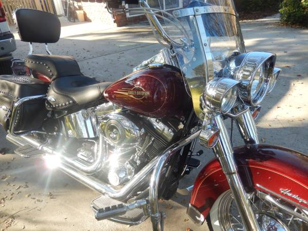 Photo Harley Davidson Heritage Softail 2008 - $8,500 (James Island)
