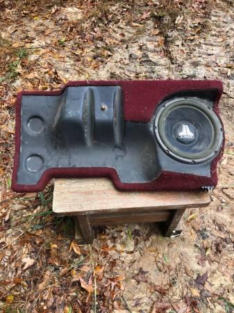 Photo JL audio 10quot subwoofer box - $40 (bloomingdale)