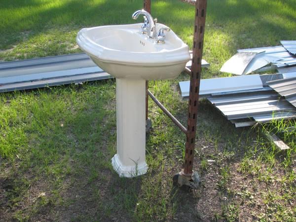 Photo Kohler Pedestal Sink with Custom Moen Faucet Set - $100 (RAVENEL)