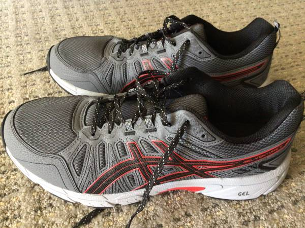 Photo NEW ASICS mens size 13 shoes - $15 (Hilton Head island)
