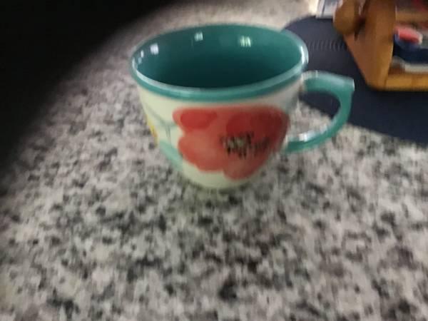 Photo Pioneer Woman coffee cups - $12 (Bluffton)