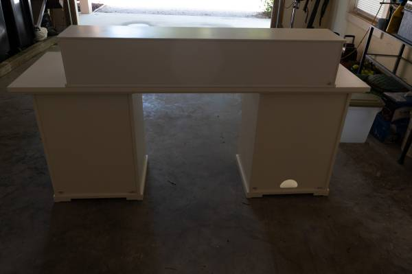 Photo Pottery Barn Desk and desk top - $500 (Beaufort)