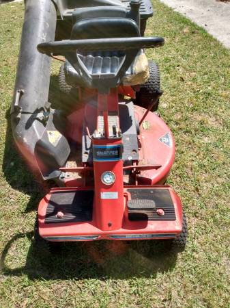 Photo Snapper sr140 rear engine riding lawn mower - $350 (Beaufort)