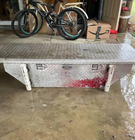 Photo Truck toolbox better built diamond plate - $100 (Beaufort SC)