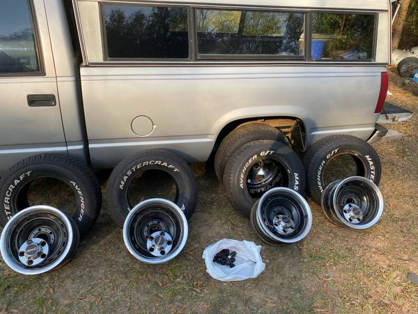 Photo chevy rally wheels - $500 (ST HELENA ISLAND)
