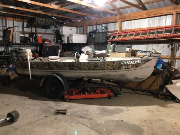 Photo 1960 Cadillac Boat w trailer - $2,000 (Cassopolis)