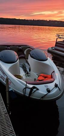 Photo 1998 challenger seadoo boat - $2,800 (Hudsonville)