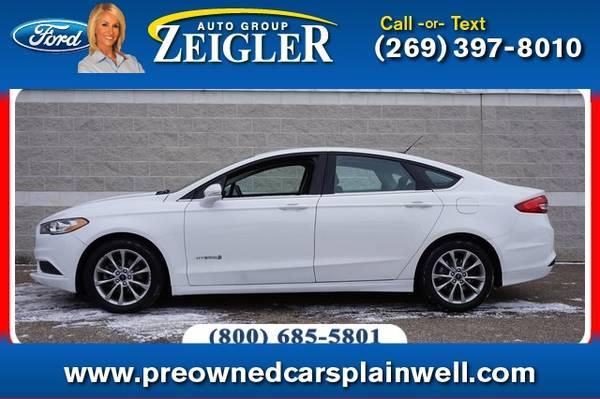 Photo 2017 Ford Fusion Hybrid SE - $13990 (_Ford_ _Fusion Hybrid_ _Sedan_)