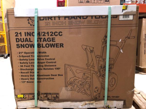 Photo 21-in Two-stage Self propelled Gas Snowblower snow thrower - $475 (Holland)