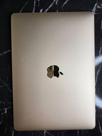 Photo Apple MacBook 12 inch Laptop (2016, Gold) - $680