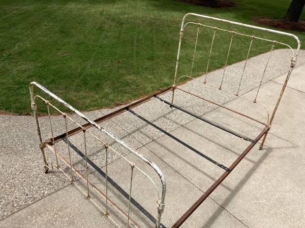 Photo Bed Frame (Full, Cast Iron) - $90 (Douglas)