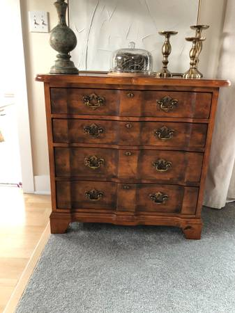 Photo Century Furniture Town and Country Low Chest - $500 (Grand Haven)
