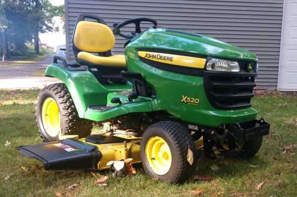 Photo John Deere x 520 Multi-Terrain Garden Tractor - $3,995 (Grand Haven)