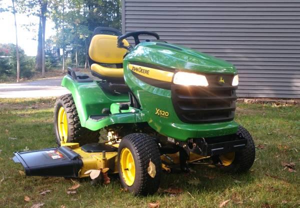 Photo John Deere x 520 Multi-Terrain Garden Tractor - $3,750 (Grand Haven)