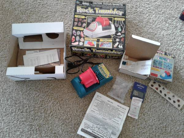 Photo ROCK TUMBLER kit - $20 (Hudsonville)