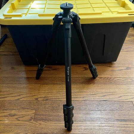 Photo Targus TG-P60T Camera Tripod - $20 (Kalamazoo)