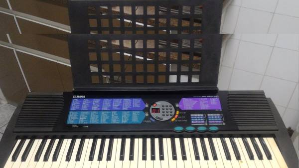 Photo Yamaha PSR-185 Keyboard - $95