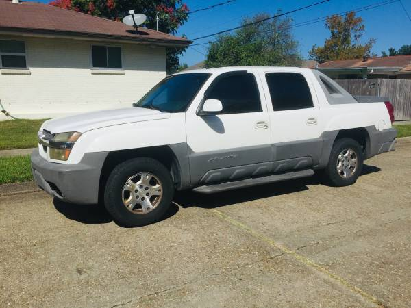 Photo 02 Chevy avalanche needs transmission shift solenoids Runs and drives - $1,850 (Cold AC good shape strong motor Metairie)