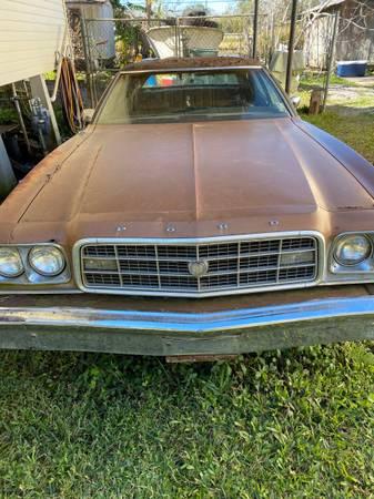 Photo 1972 Ford Gran Torino 4 Door 302-2V - $1 (Chauvin, LA)