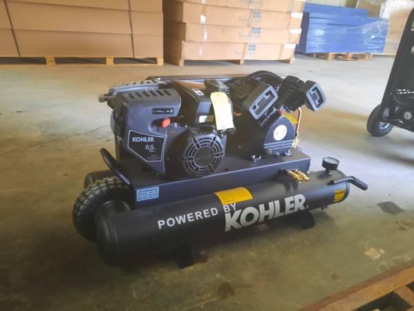 Photo AMP 8-Gallon Twin Tank gas-powered portable air compressor - $700 (Metairie)
