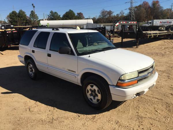 Photo Chevy Blazer 200 4X4 just retired from ATT - $4,000 (1670 highway 80 east pearl ms)