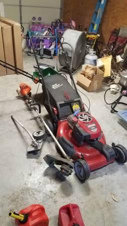Photo Craftsman self propelled lawn mower and gas edger - $60 (Thibodaux)